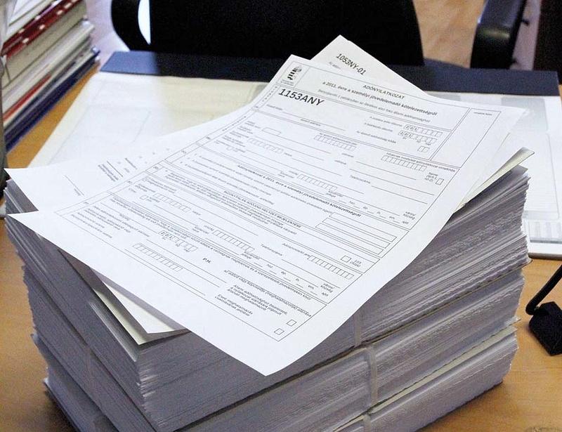 Szja-bevallás: negyedmillió adózónak kell most figyelnie