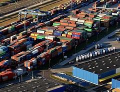 A járvány miatt világszerte megugrott az online kiskereskedelem