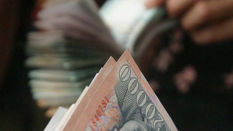 Több tízezer forintos béremelést akarnak Orbánék?