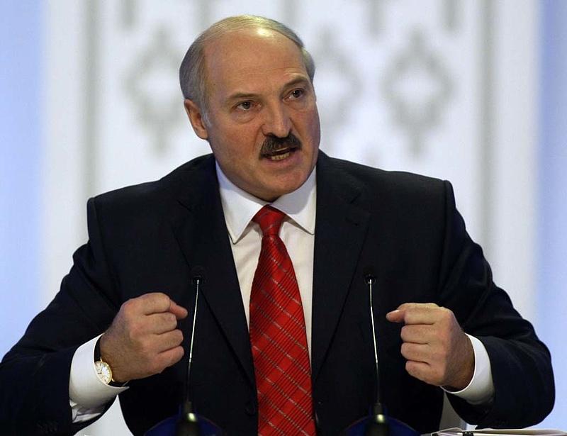 Fölényes győzelmet arathat Lukasenka