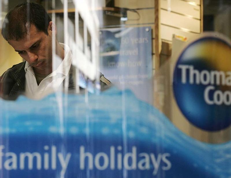 Thomas Cook-csőd két héten belül 135 ezer brit utast visznek haza