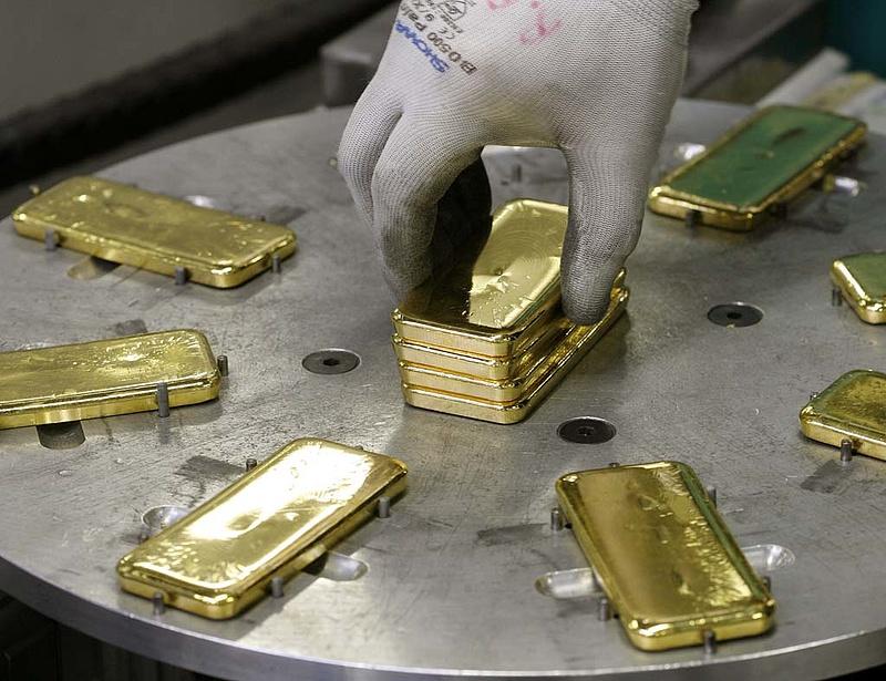 Csődbe menekült az aranyforgalmazó