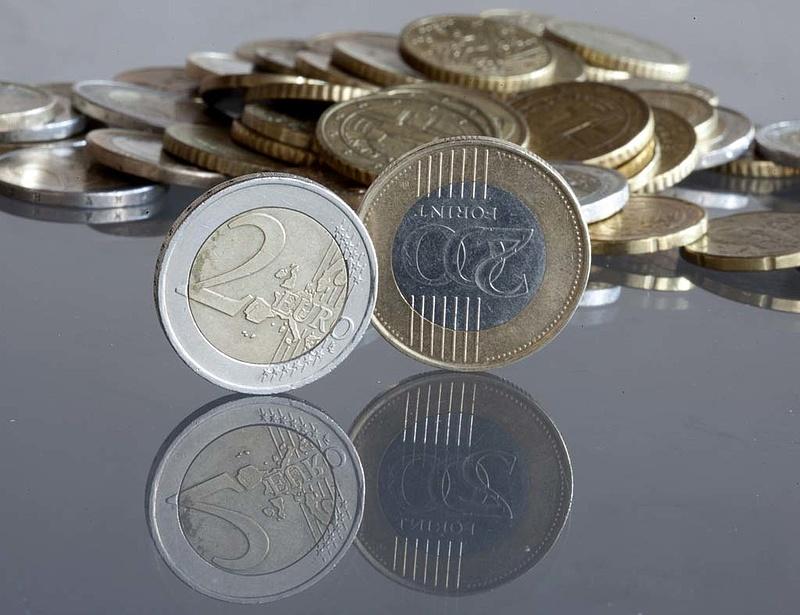 Miért kell elbúcsúznia a forinttól Magyarországnak?