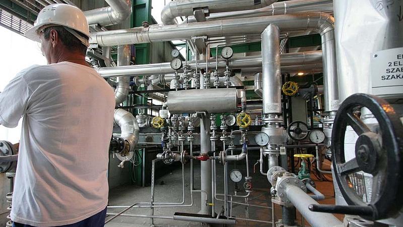 Tíz-húsz százalékos lesz a távhő, az áram és a gáz ármelkedése Szlovákiában