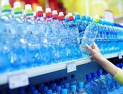 Percenként egymillió műanyagpalackot adnak el világszerte