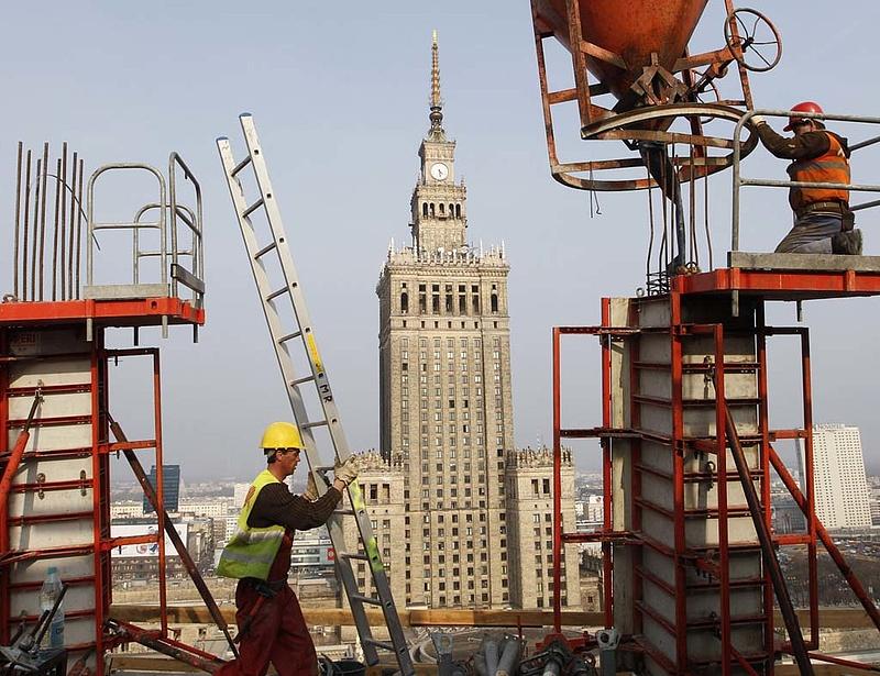 Lassult a gazdasági növekedés Lengyelországban