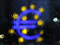 Újabb szigorítás lép életbe az euróövezetben