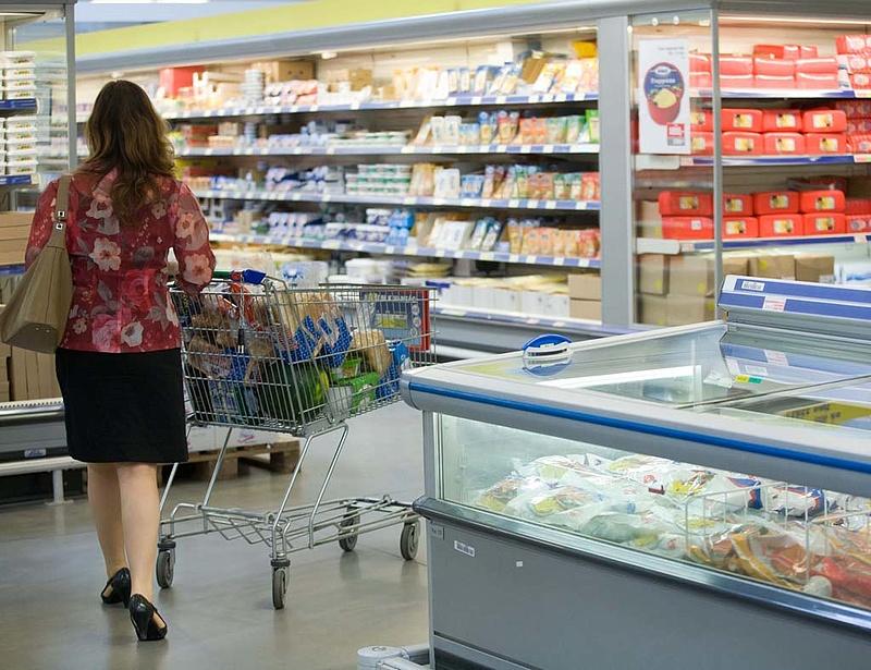 Megtört a 15 éve tartó trend - húznak a diszkontok és a szupermarketek