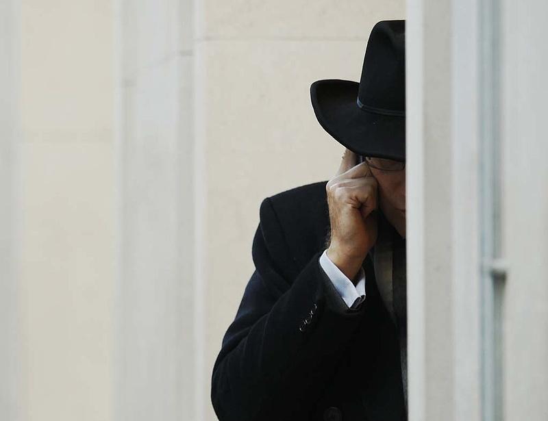 Kétmillió forintos telefont kapnak a magyar rabok