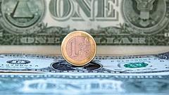 Nagy ütést kapott a dollár