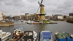 Holland kormányfő: kemény két hét előtt állunk
