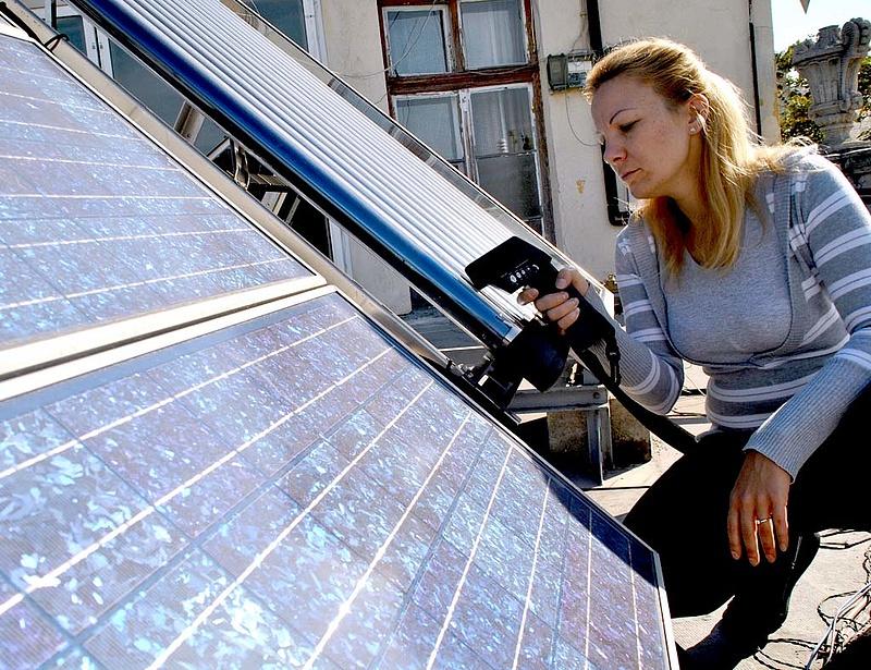 Feláldozták a megújuló energia támogatását a rezsicsökkentésért?