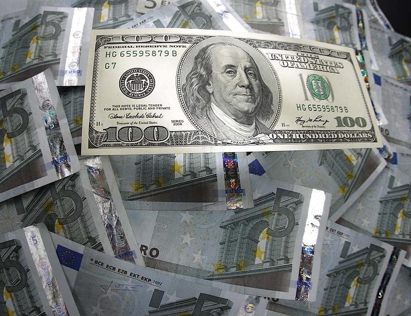 Fél évet kaptak a magyar bankok az USA-tól