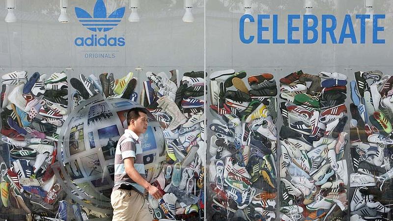 Már a robotokat is Ázsiába viszi az adidas