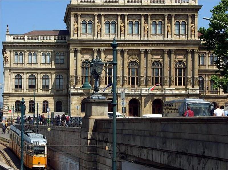 Figyelmeztet az MTA - ez a nagy baj Magyarországon