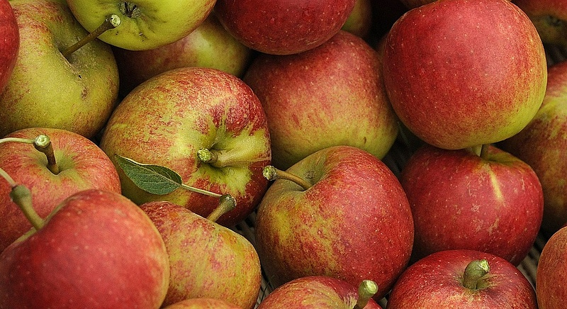 Zárolták az almáit, feltörte a zárat a zöldséges