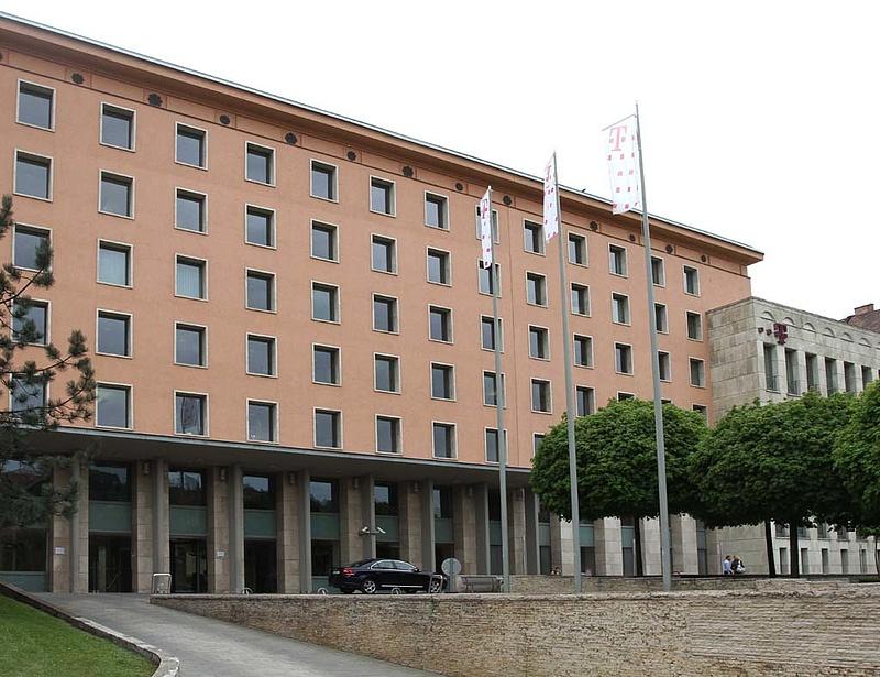 Magyar Telekom: ma nem lesz döntés székházügyben