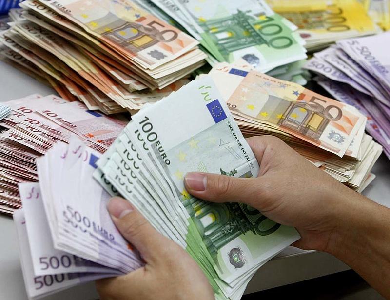 Több a hamis euró