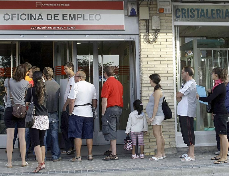 Beragadt a munkanélküliség az EU-ban
