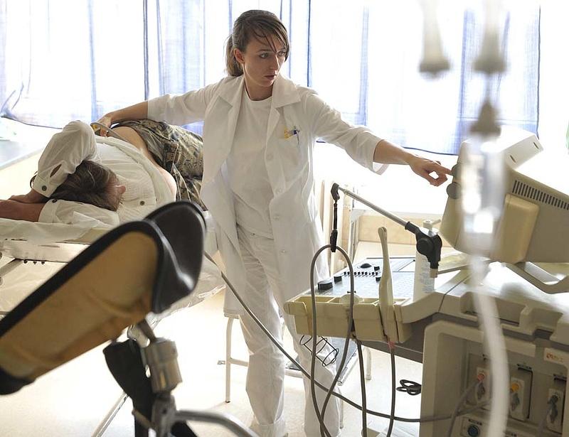 Karszalag a betegeknek, tablet az ápolóknak - így változik a betegellátás