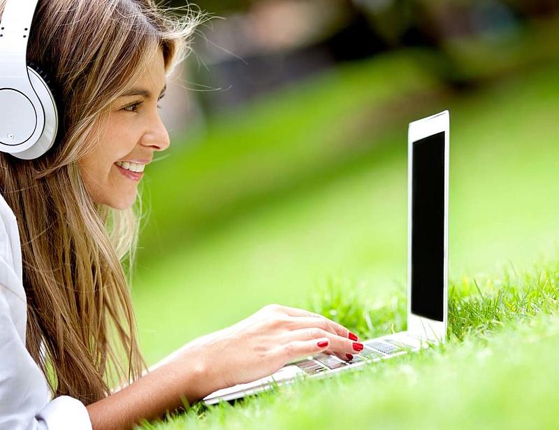 Minden háztartásban elérhetővé tennék a szélessávú internetet