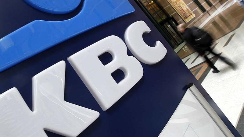 Bombameglepetés a magyar bankpiacon