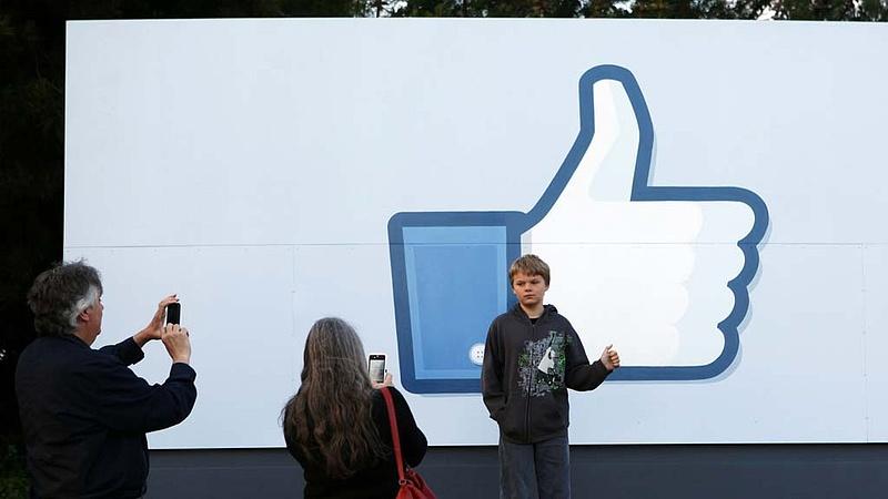 Nagyot kockáztat Zuckerberg