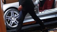 Veszik a magyarok a luxusautókat, a Mercedes a legkelendőbb