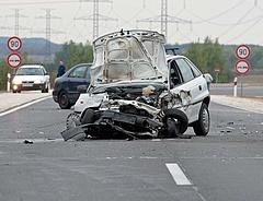 Rossz hírt kaptak az autósok: robbanni fog a kötelező biztosítás ára