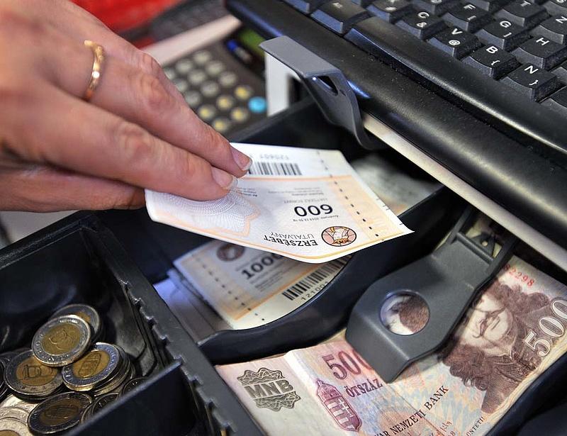 A pénztárcsere hosszabbítását kérik a kereskedők