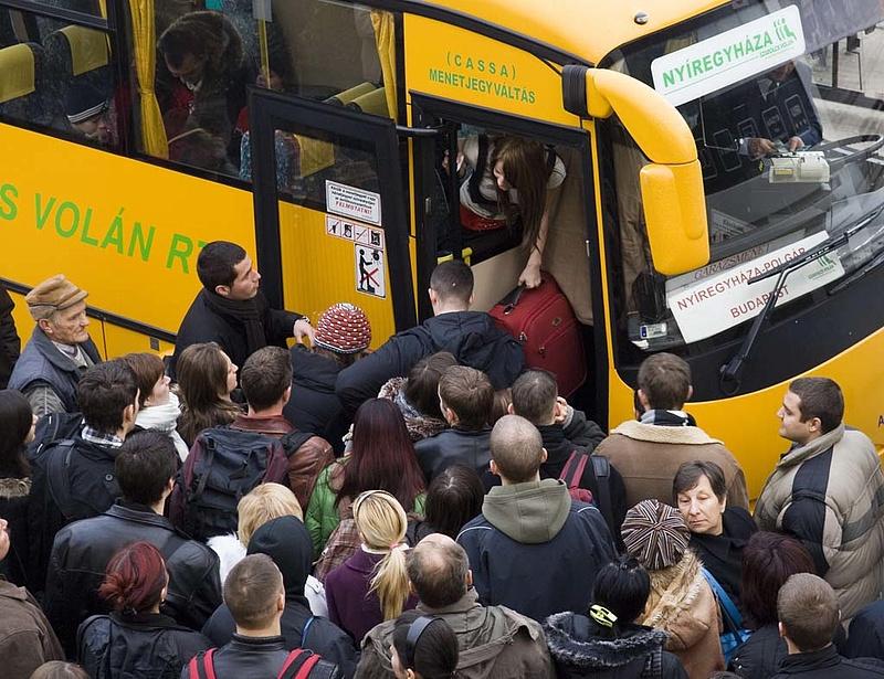 Mészáros Lőrinc cége forradalmasíthatja a busz- és vonatjegyvásárlást
