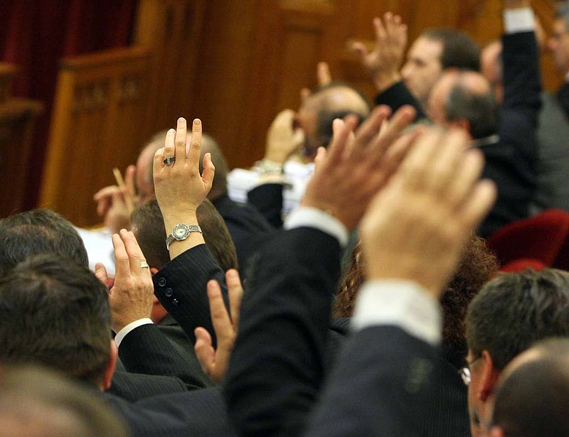 Nyugdíjkiegészítést javasol a Fidesz - itt a javaslat