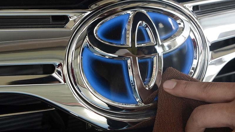 Újabb lépést tesz a Toyota a dízelmotorokkal szemben