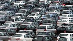 Nagyon kemény év elé néznek az autógyárak