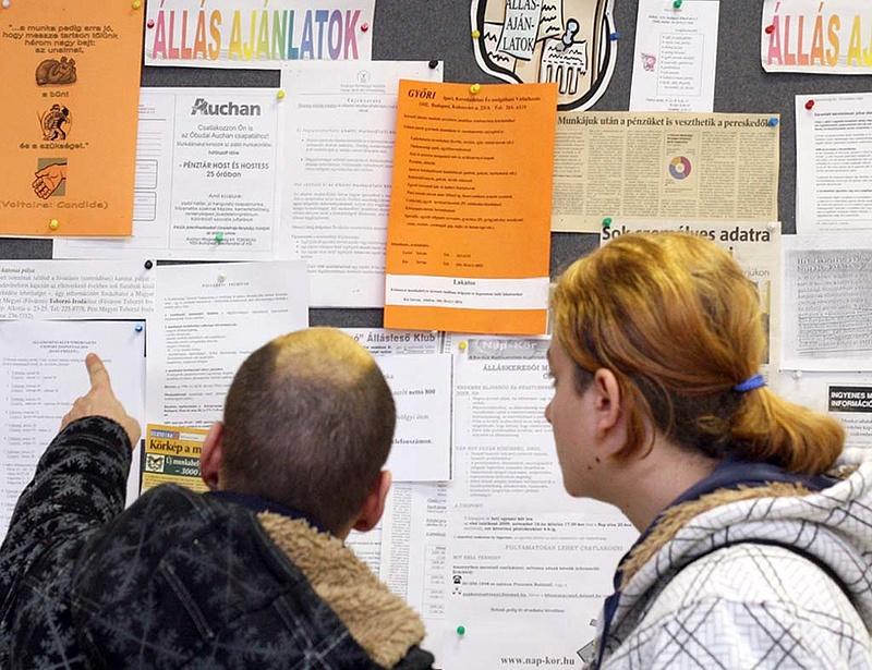 Egyre kevesebb magyar keres munkát