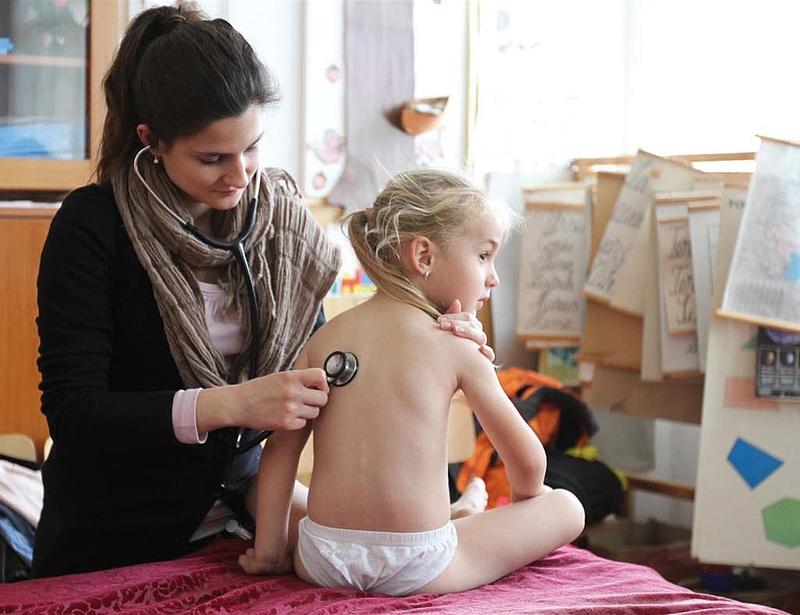 Csak az elérhető orvosokkal szerződik a szlovák biztosító
