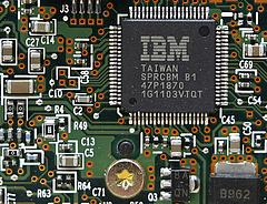 Stratégiai megállapodást kötött a kormány és az IBM