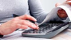 Bekeményít a hatóság - egy egész szektort dönthetnek be az adóhivatalok