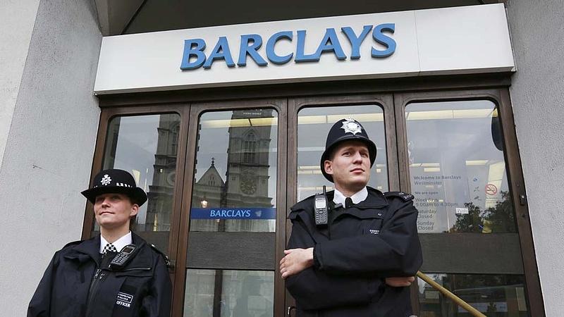 Börtönbe küldtek négy bankárt