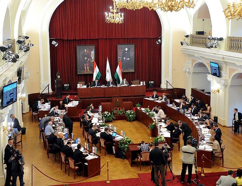 Milliós prémiumok kifizetéséről dönthet a főváros