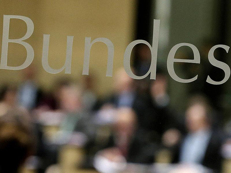 Megszavazta a német Bundesrat a menekültügyi csomagot