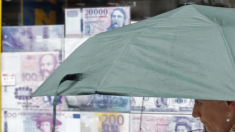 307 forint körül jár az euró