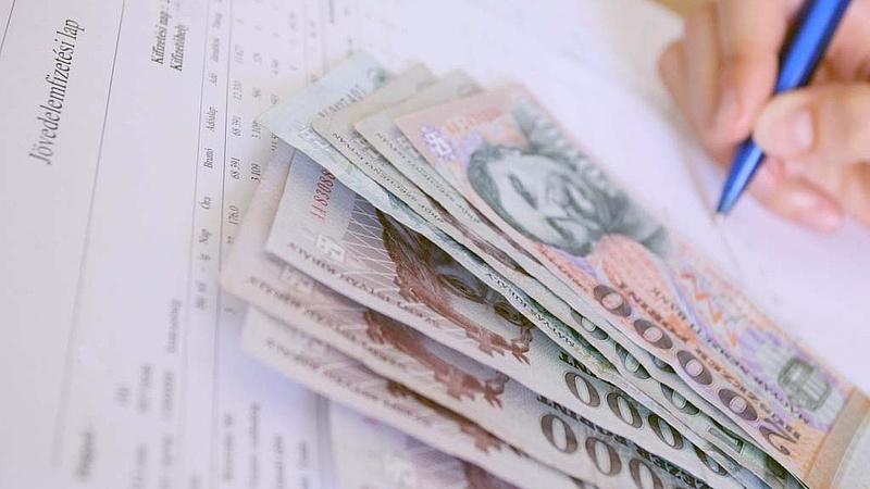 Nagy fizetésemelés jön jövőre Magyarországon?
