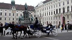 Bécs városa cégekbe vásárolja be magát, hogy mentse a munkahelyeket