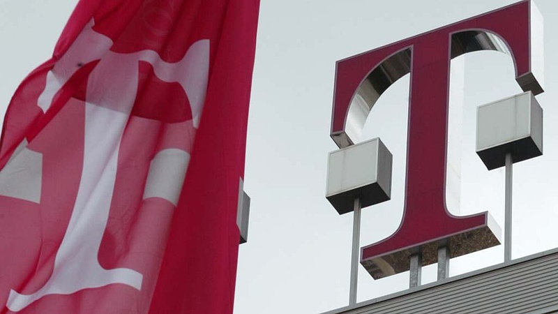 Csak a Magyar Telekom van talpon