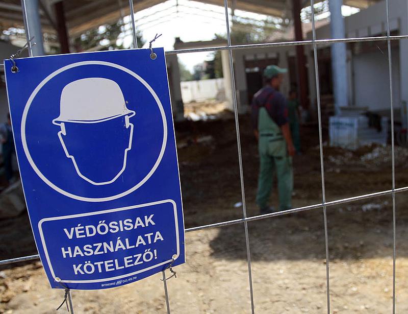 Elbocsátásra készül az építőipari cégek negyede