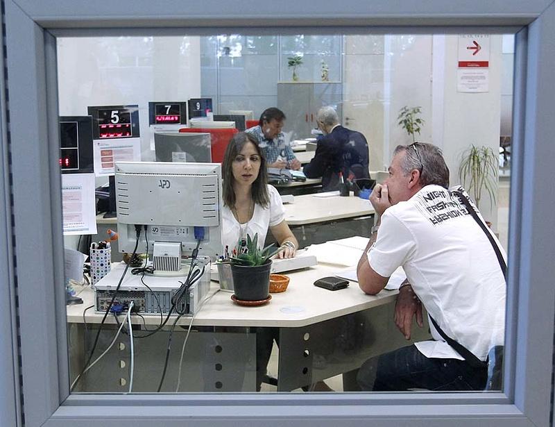 A magyar kormány vaktában lövöldözik a csodafegyverével