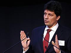 A bankokért fog lobbizni az egykori PSZÁF-elnök