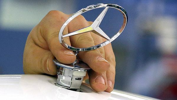Máshogy vált sebességet a Mercedes és a Volkswagen