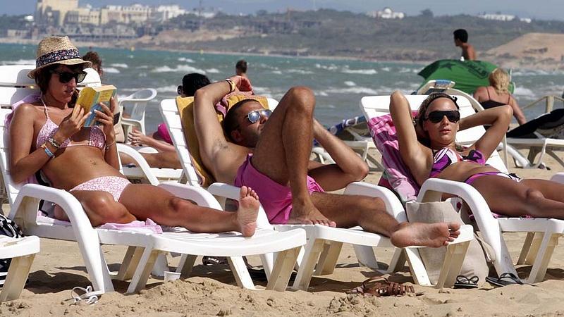 Kezdenek visszatérni a turisták Tunéziába